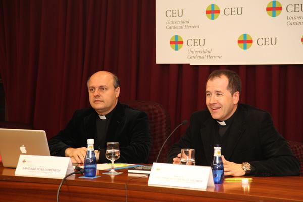 El profesor de teolog a j santiago pons analiza las for Santiago pons decoracion