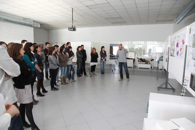 Los estudiantes del m ster en ingenier a del dise o for Mobiliario para estudiantes