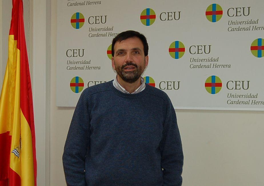 Enrique Lluch, director del Departamento de Economía y Empresa de la CEU-UCH.