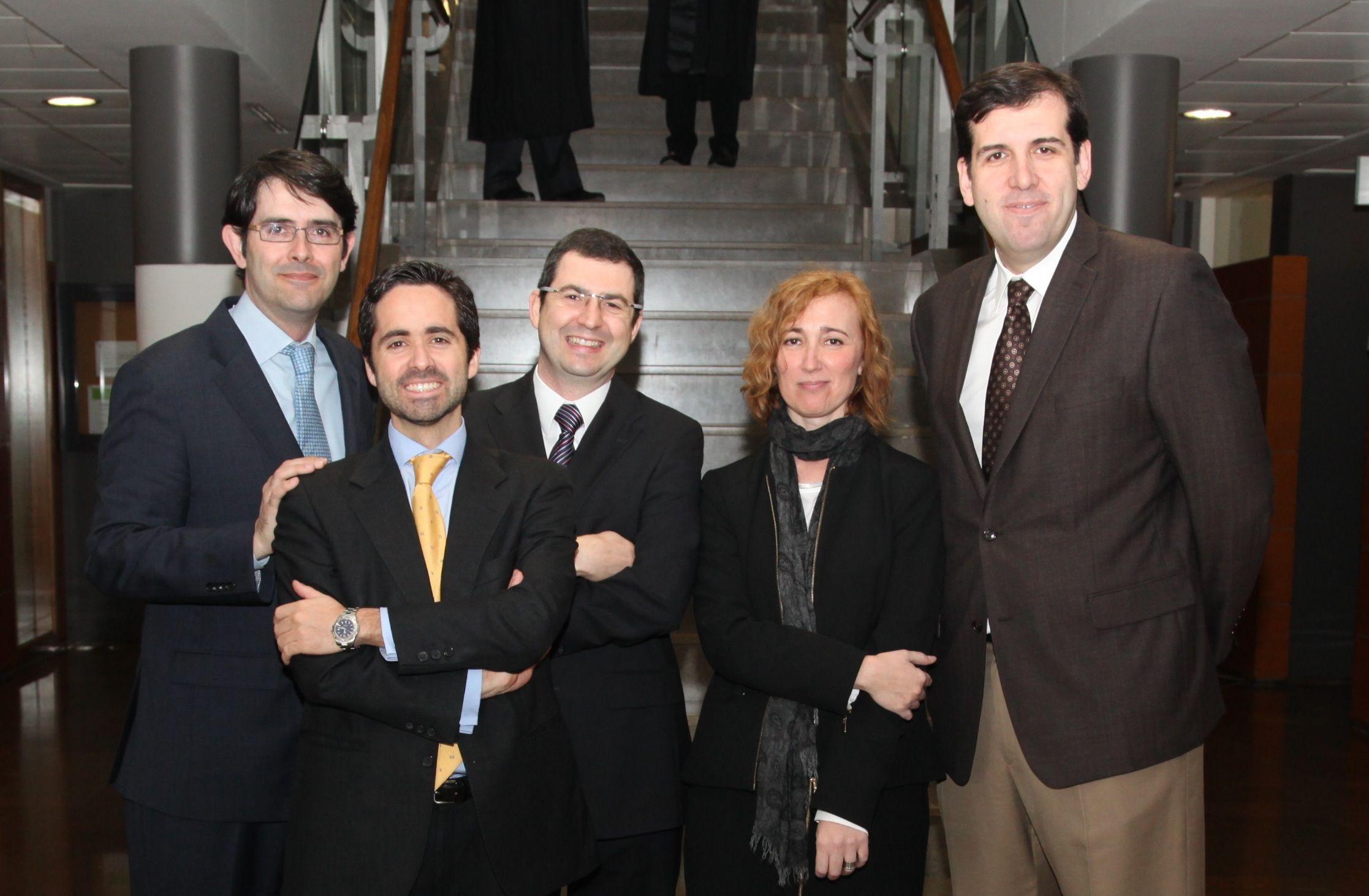 Los investigadores de la CEU-UCH Javier García, Juan Martínez, Juan Pardo, Esperanza Ferrnado y Joaquín Marco.