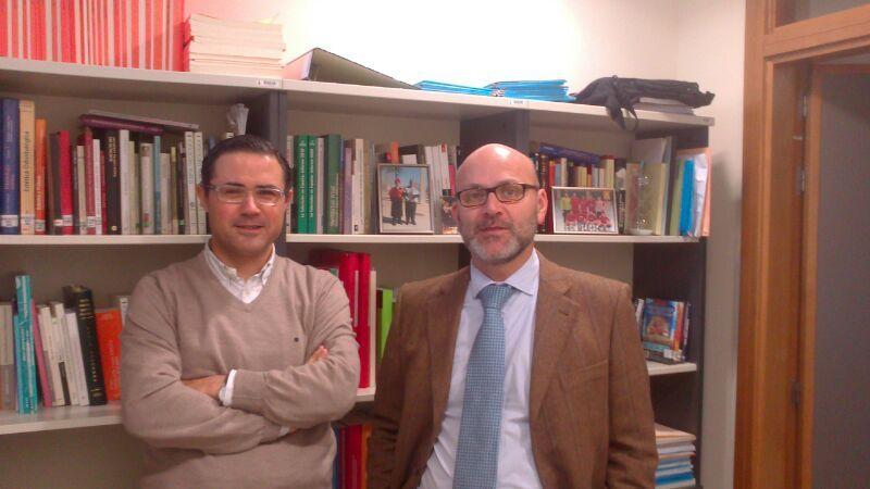 Los profesores Emilio García y Rafael Fayos, miembros del Grupo de Investigación en Bioética de la CEU-UCH.