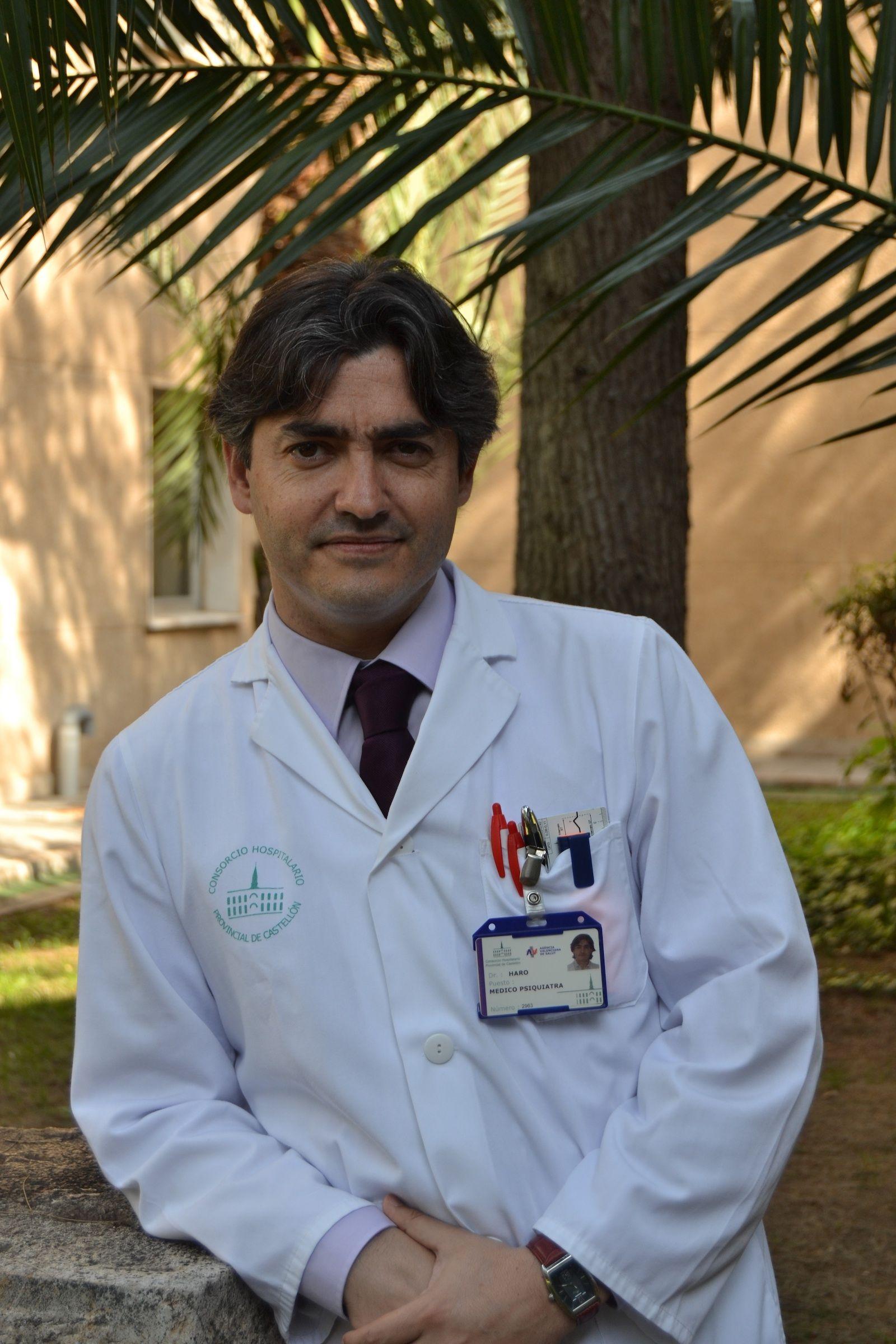 Gonzalo Haro Cortés, profesor del Grado en Medicina de la CEU-UCH y responsable del Programa de Patología Dual Grave del Hospital Provincial de Castellón.