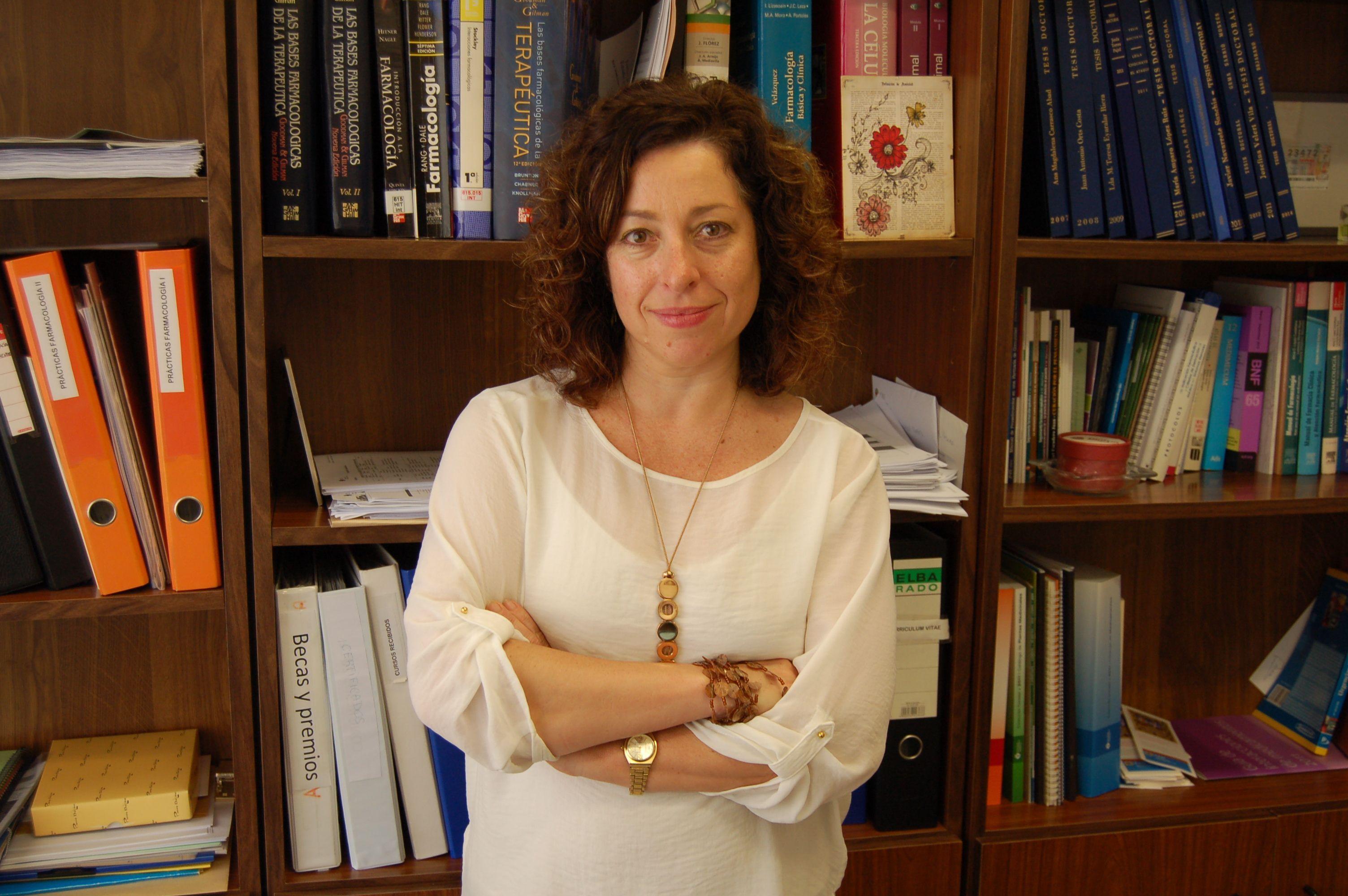 Lucrecia Moreno, vicedecana de Farmacia de la CEU-UCH, premiada en el Congreso Nacional de Farmacéuticos Comunitarios.