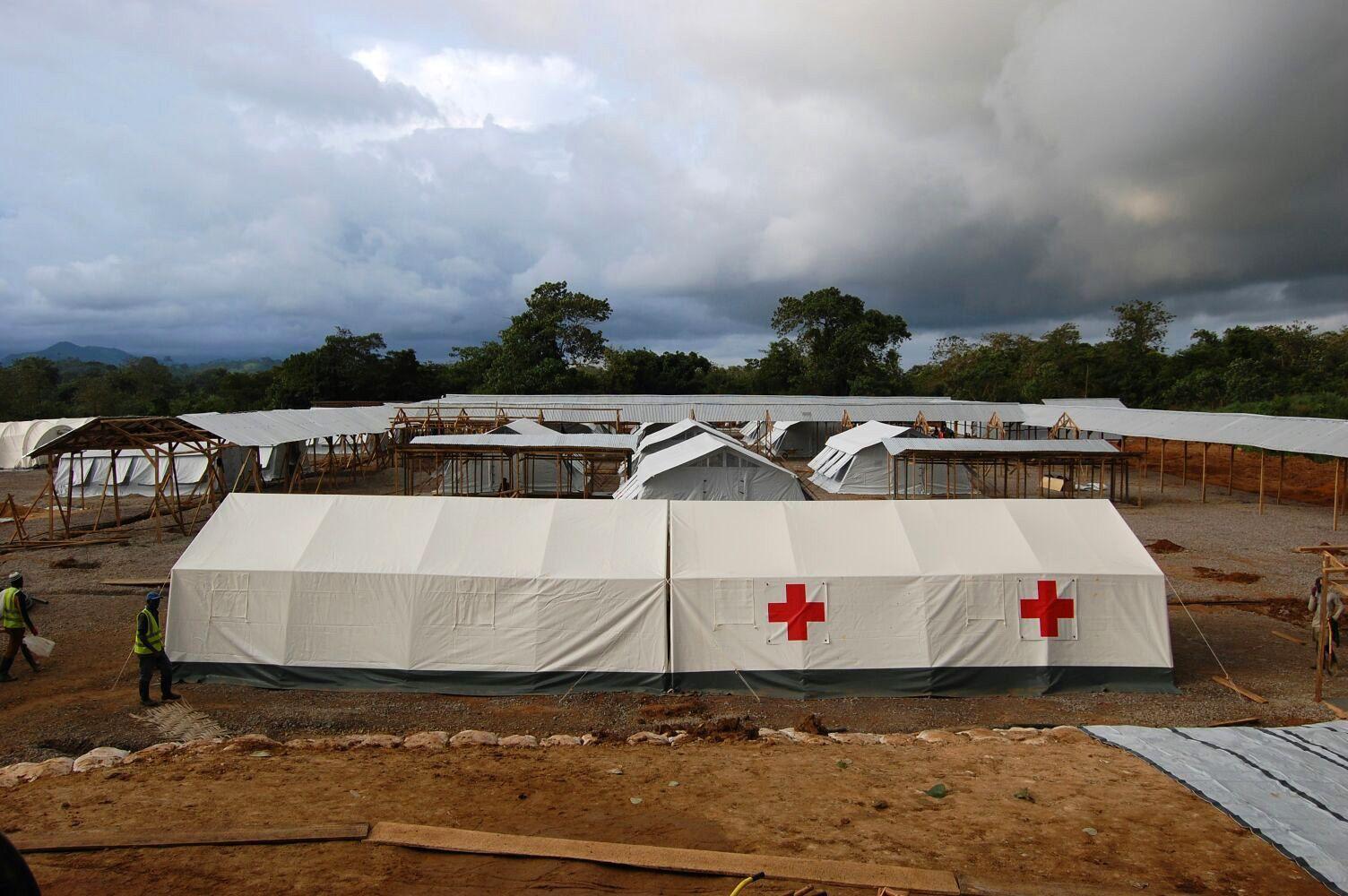 alumno-ceu-voluntario-ebola-21