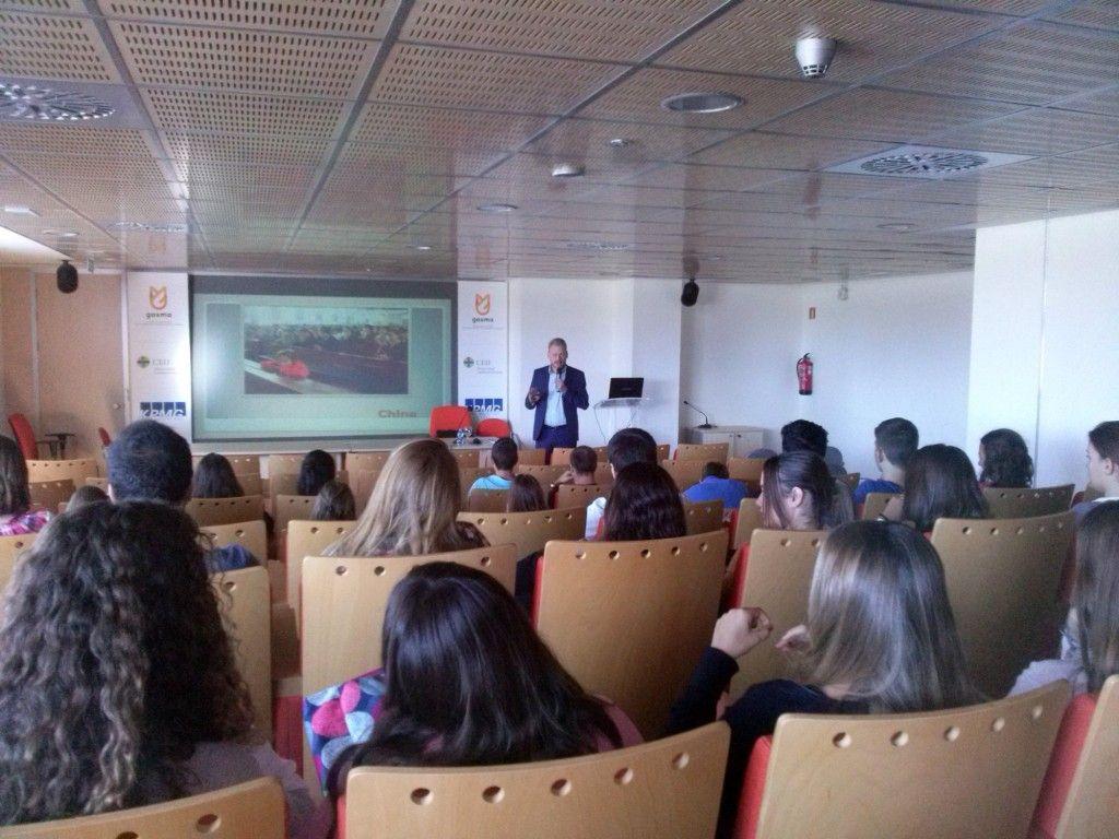 charla persecución religiosa CEU Castellón 1