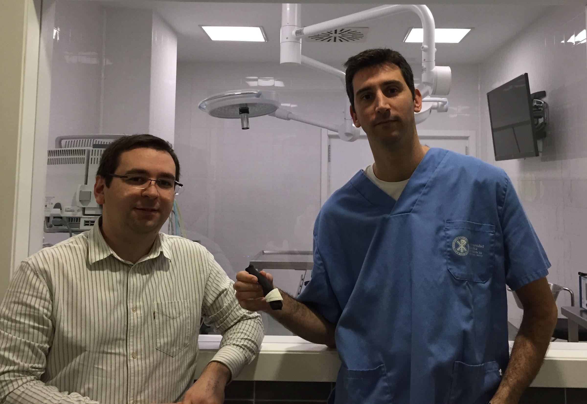 Los investigadores Luis Doménech, de la CEU-UCH, e Iván Serra, de la UCV, autores de la investigación.