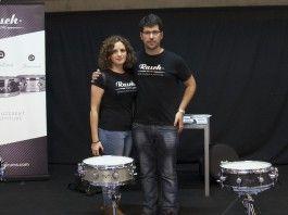 Patricia Clemente y Manuel Ibáñez, músicos y doctorandos de la CEU-UCH premiados en Nashville por el uso de nuevos materiales en el diseño de cajas de percusión.
