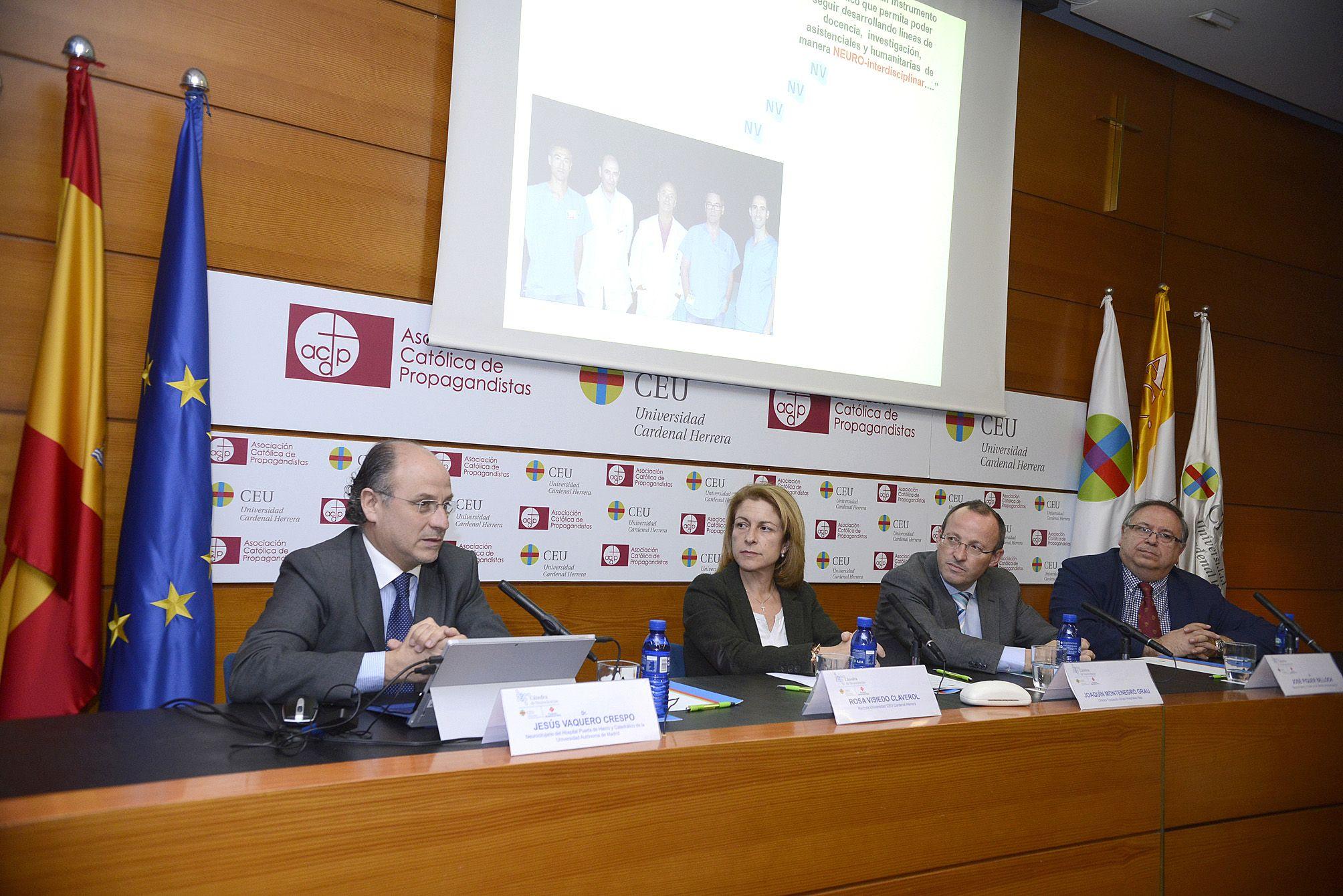 El doctor José Piquer, titular de la Cátedra de Neurociencias CEU-Funación NISA, junto a la rectora Rosa Visiedo, el director de la Fundación Grupo Hospitales NISA, Joaquín Montenegro y el doctor Jesús Vaquero.