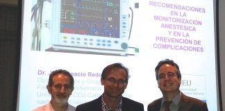 El Dr. Ignacio Álvarez Gómez de Segura, Presidente del GAVA, el Dr. David Brodbelt y el Dr. José Ignacio Redondo, durante la Jornada celebrada en Madrid.
