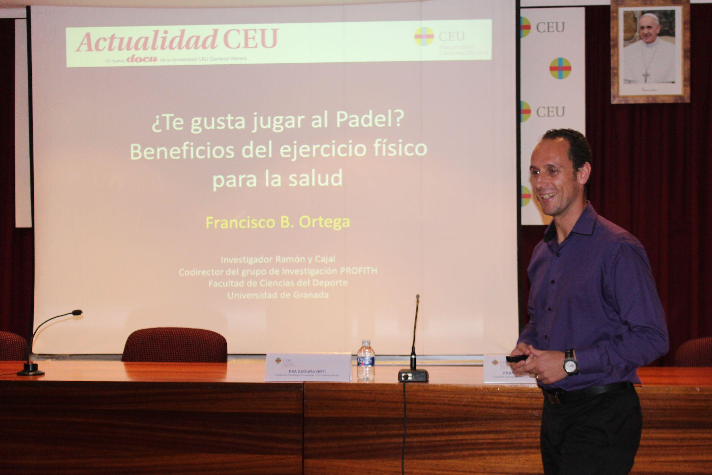 El investigador de la Universidad de Granada, Francisco B. Ortega, en CEU-Descubre.