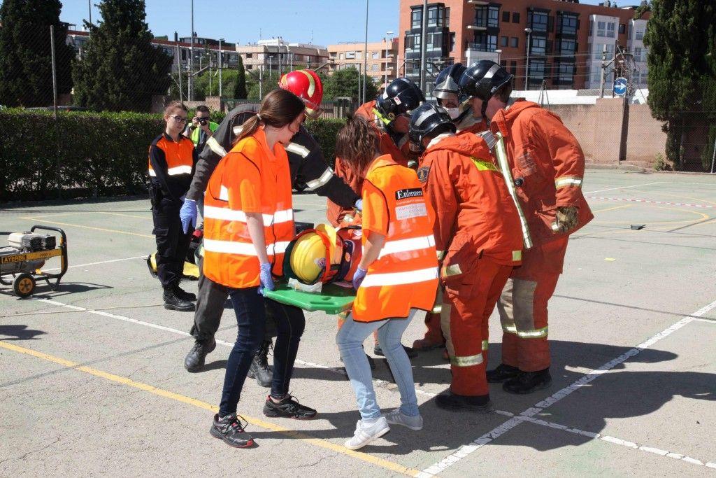 alumnos-bomberos-simulacro-amv