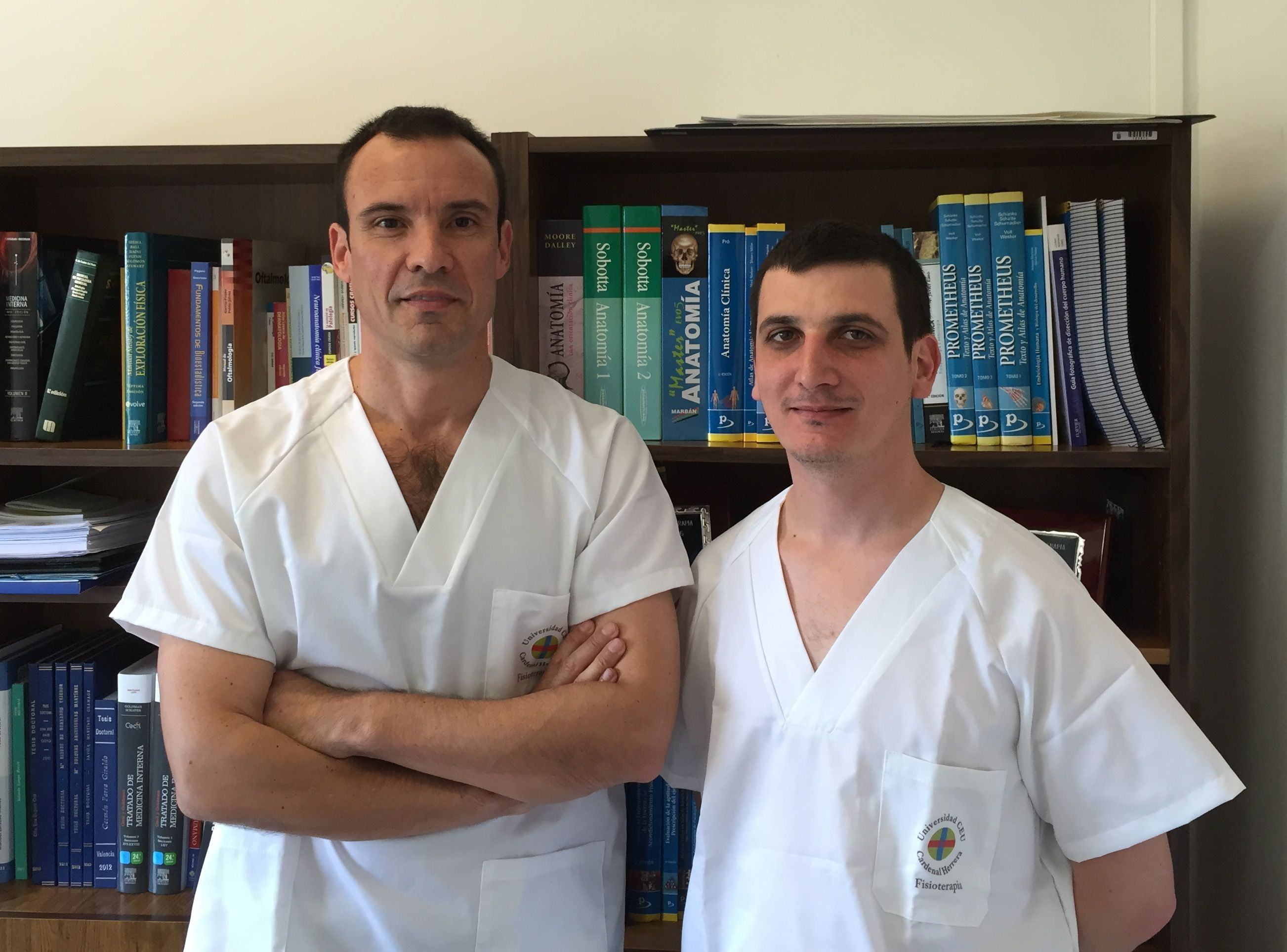 El vicedecano de Medicine, Juan Francisco Lisón, y el profesor de Fisioterapia de la CEU-UCH Pablo Salvador han liderado el estudio.
