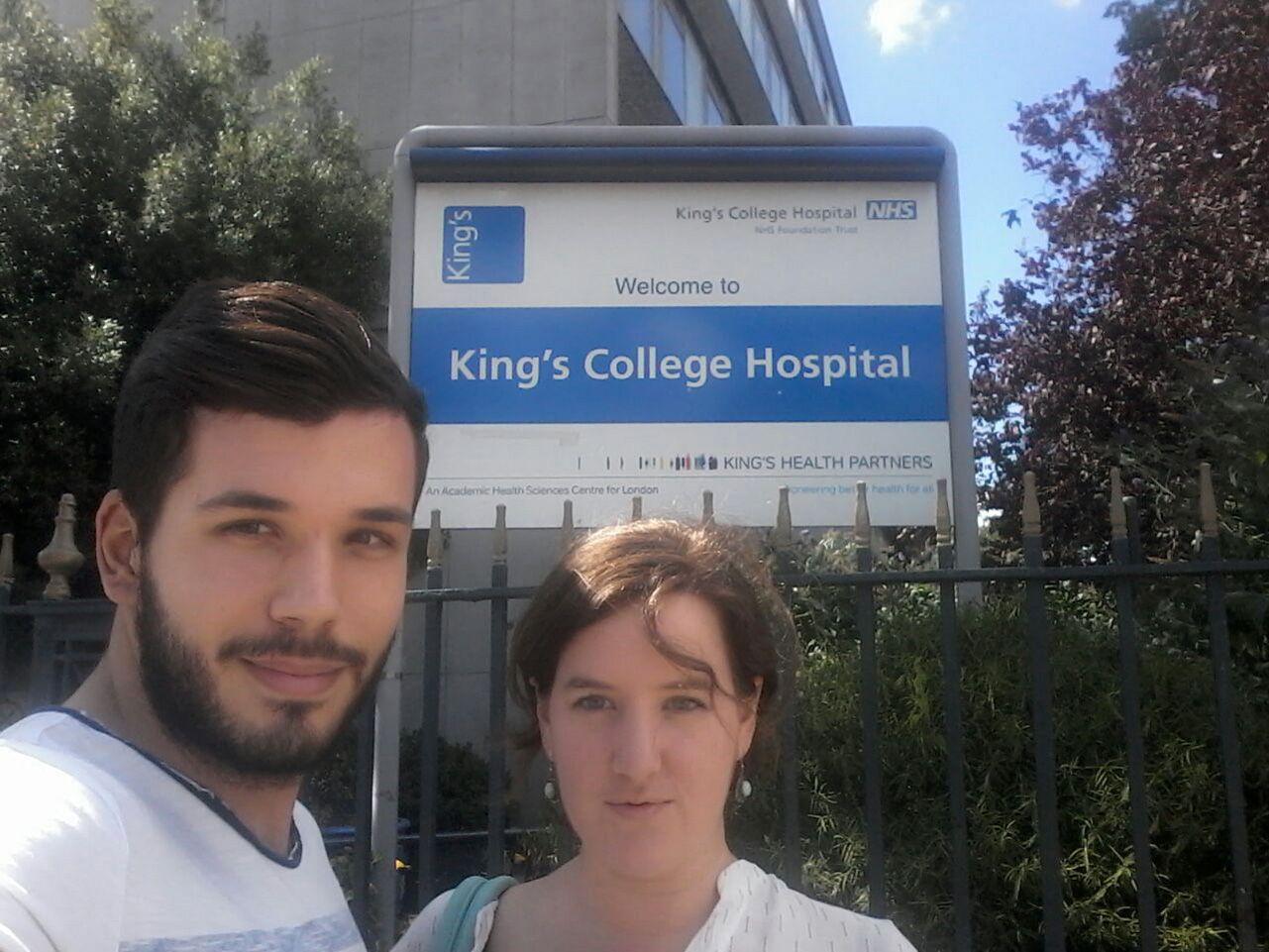 Alumnos Enfermería prácticas King's College