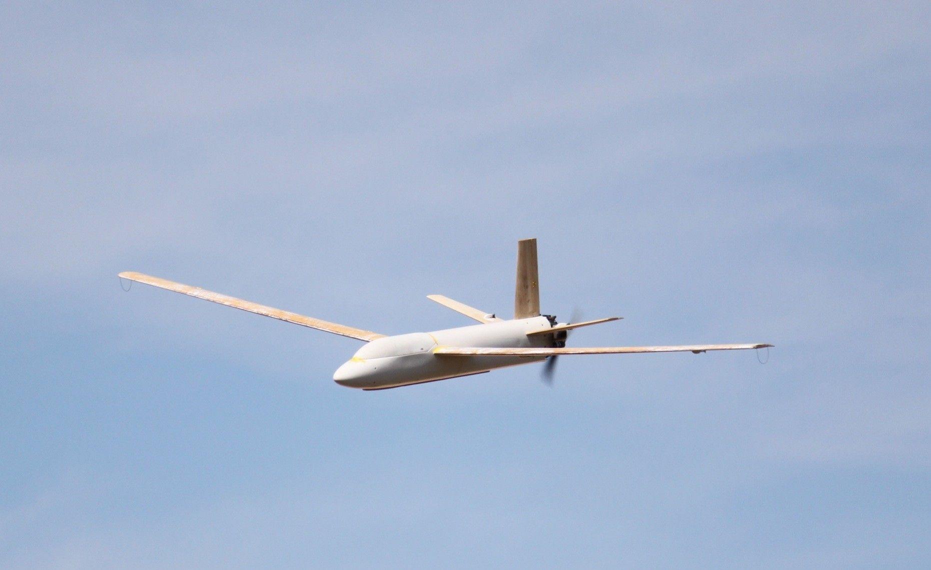 Prototipo de UAV similar al Ápeiron, desarrollado por José Miralles, miembro del equipo de investigación de la CEU-UCH y la empresa Medavia.