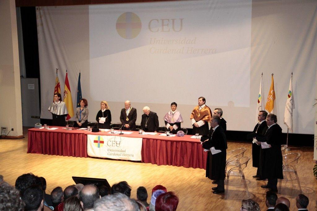 mesa presidencial acto apertura UCH