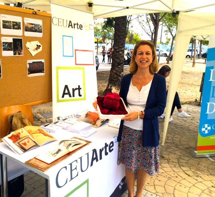 La rectora de la CEU-UCH, Rosa Visiedo, en la presentación del taller Cerebros de CEU Arte, en los Welcome Days.