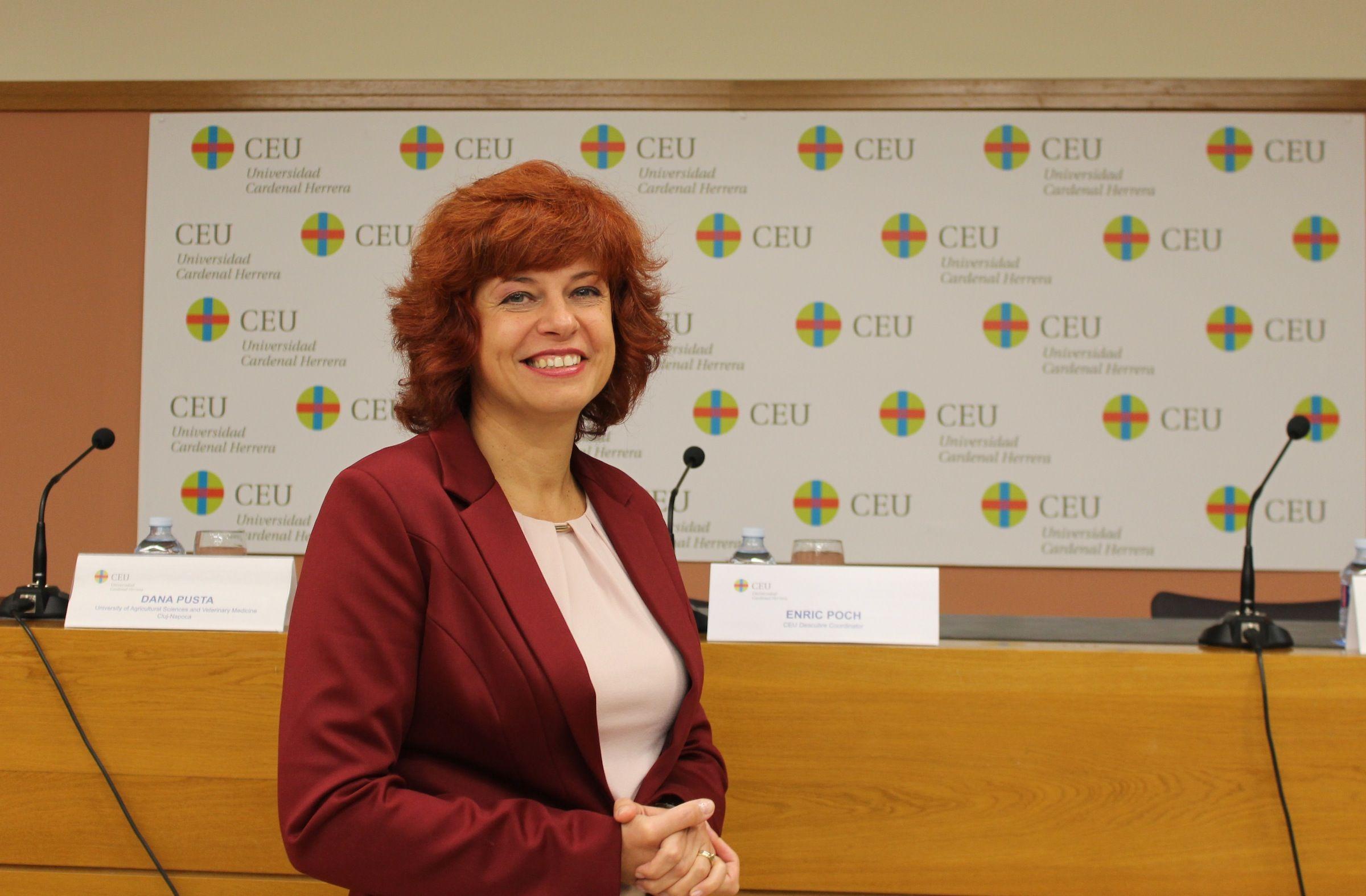La profesora Dana Pusta, de la Facultad de Ciencias Agrícolas y Medicina Veterinaria de la Universidad de Cluj-Napoca en Rumanía, que realiza una estancia Erasmus en la CEU-UCH.