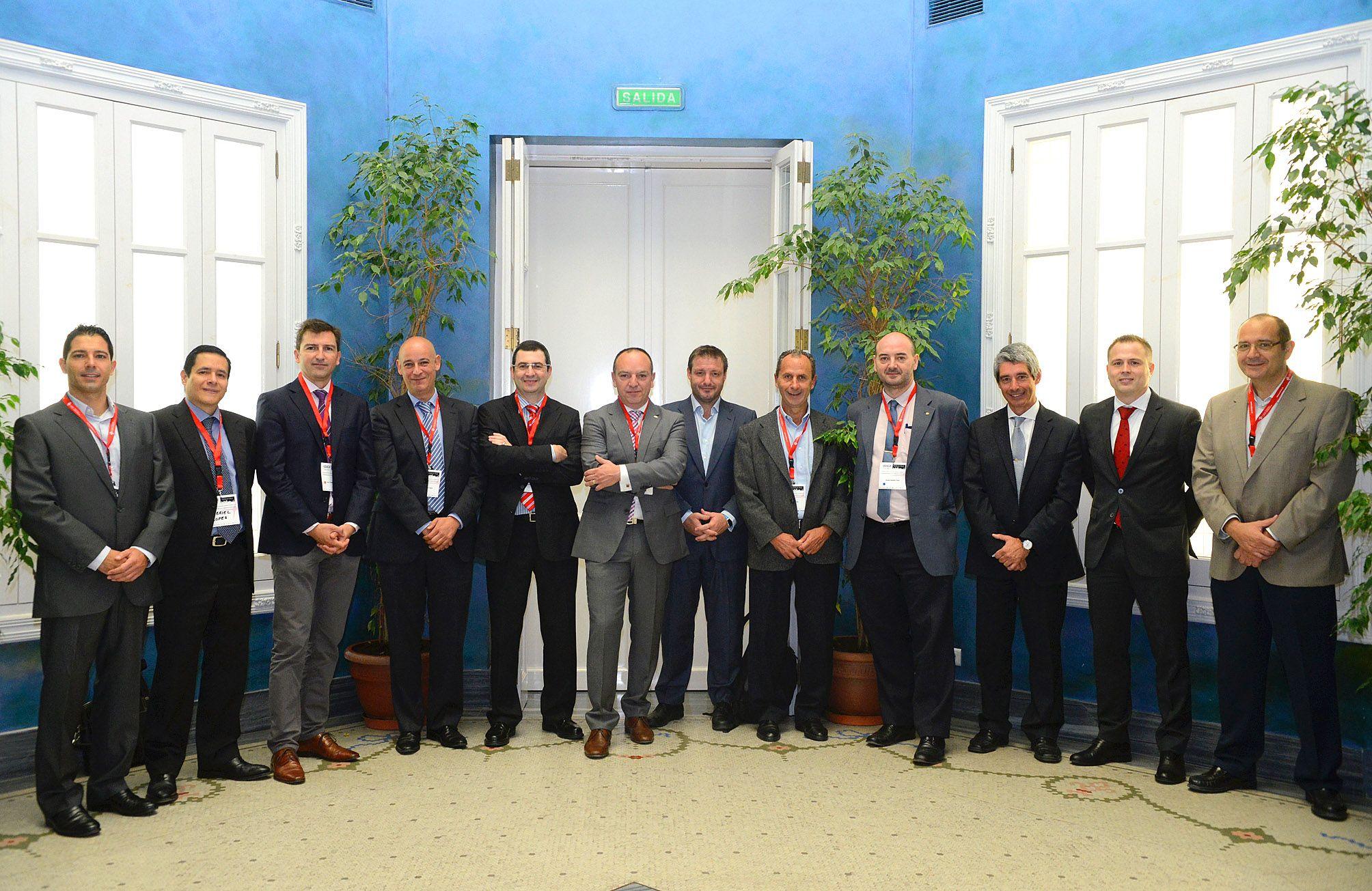 Los ponentes de la segunda jornada del Congreso, en el Palacio de Colomina, sede de la CEU-UCH en Valencia.