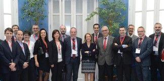 En el centro, la rectora de la CEU-UCH, Rosa Visiedo, junto al presidente de ISACA-CV, Roberto Soriano (a su dcha.), el director general Vicente Aguiló y el profesor de la CEU-UCH Juan Pardo (a su izq.).