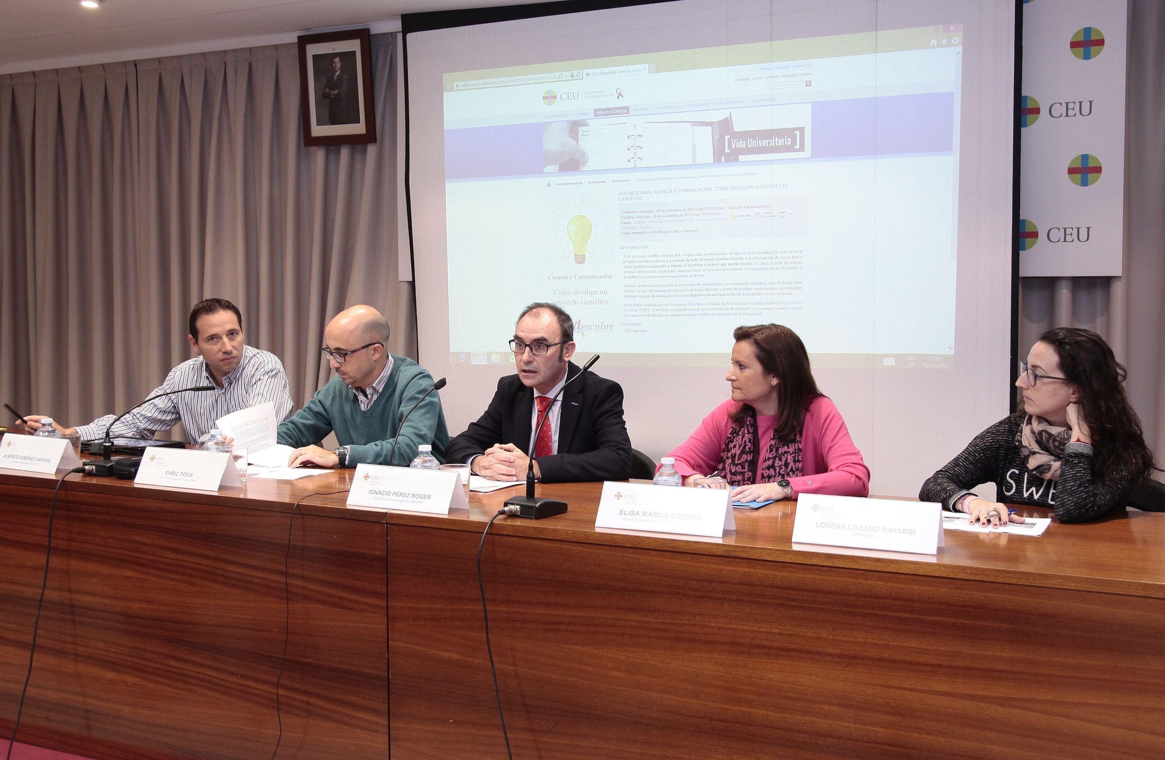 El vicerrector de Investigación, Ignacio Pérez Roger, y el coordinador de CEU Descubre, Enric Poch, han presentado la sesión.