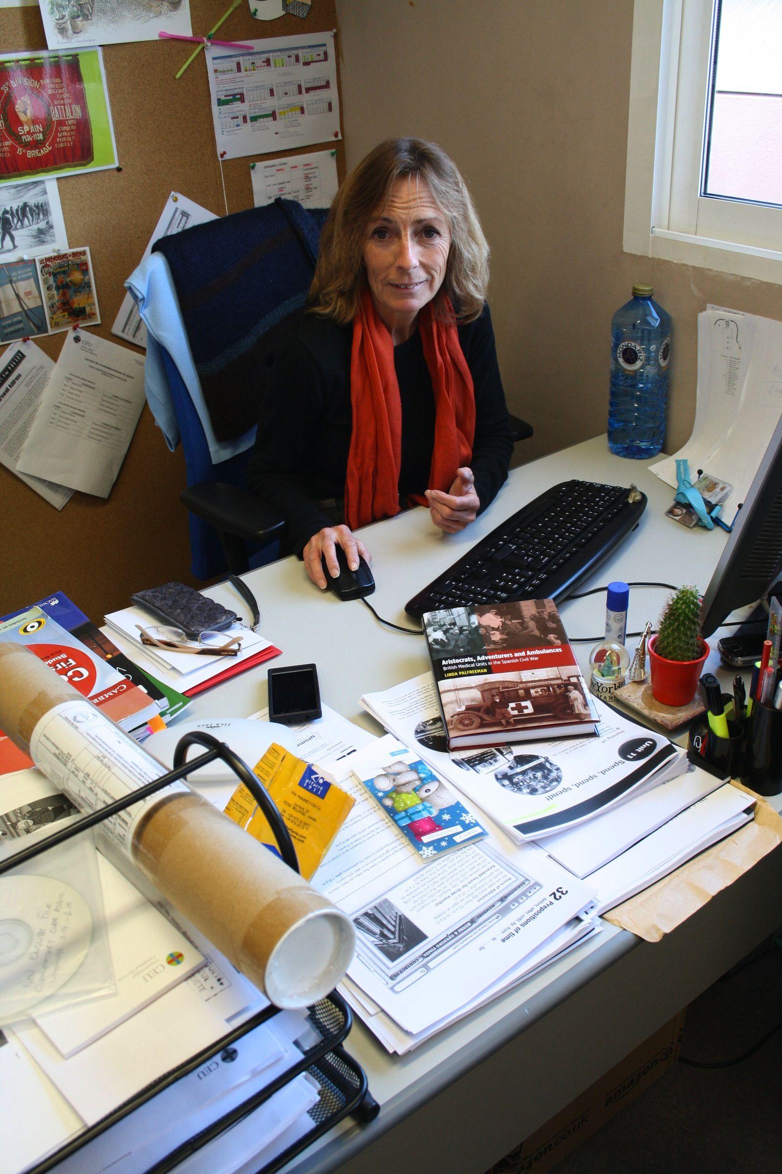 Linda Palfreeman, profesora del Departamento de Humanidades de la CEU-UCH, autora del libro.