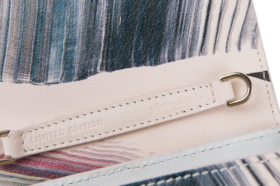 Detalle del primer bolso de la colección Onesixone.