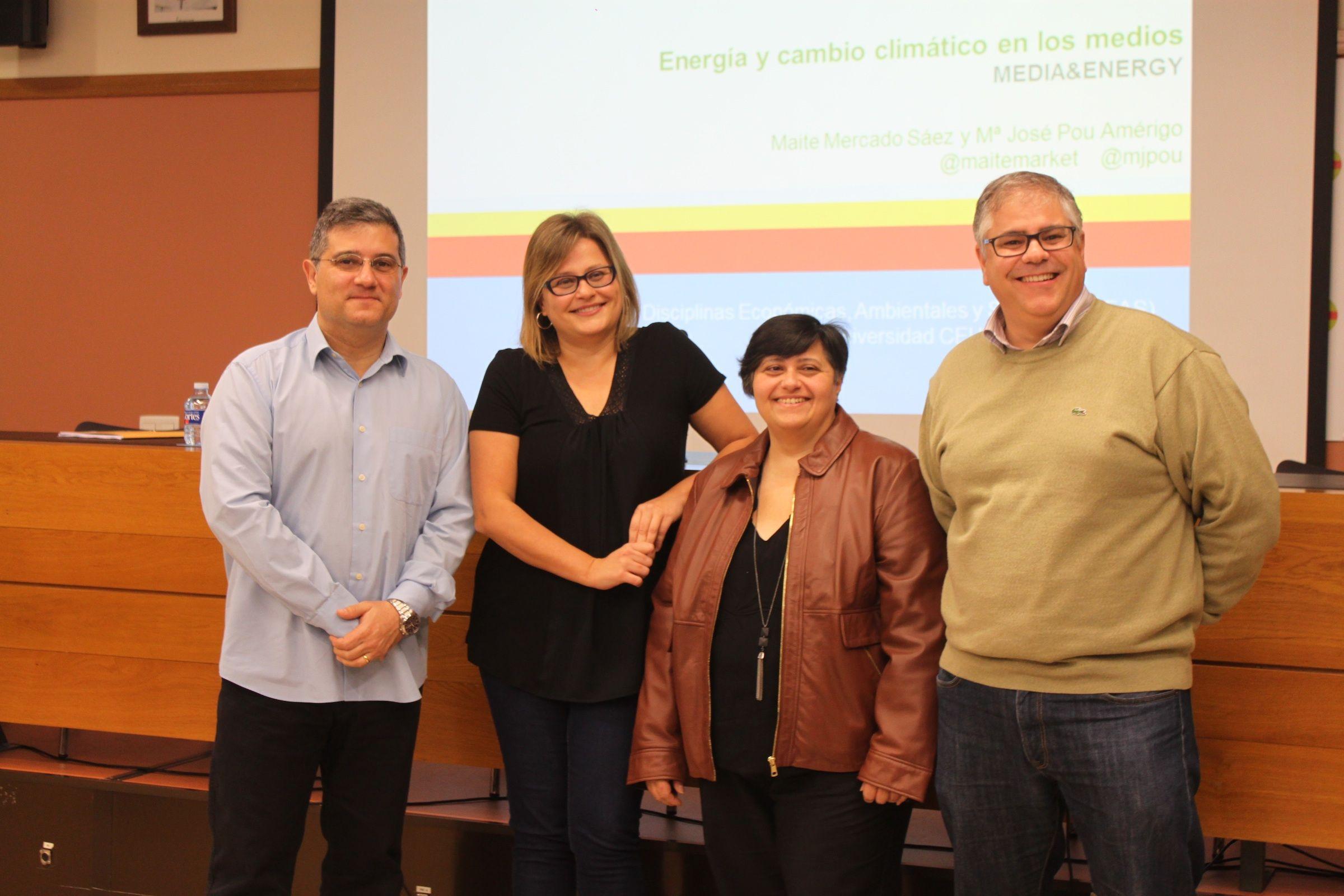 Los investigadores Sebastián Sánchez, Maite Mercado, María José Pou y Ángel Castaños, miembros del Grupo Media & Energy de la CEU-UCH.