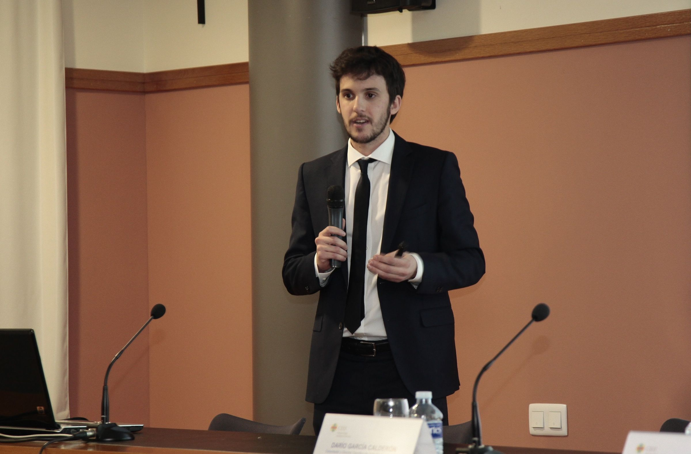 Darío García Calderón, explicó en CEU Descubre los avances de la impresión 3D en medicina y cirugía.