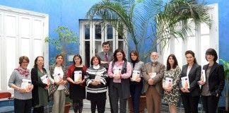 """Profesores de la CEU-UCH juristas coautores de """"Mujer e Igualdad"""" con la directora general de Formación Profesional, en la presentación del libro."""