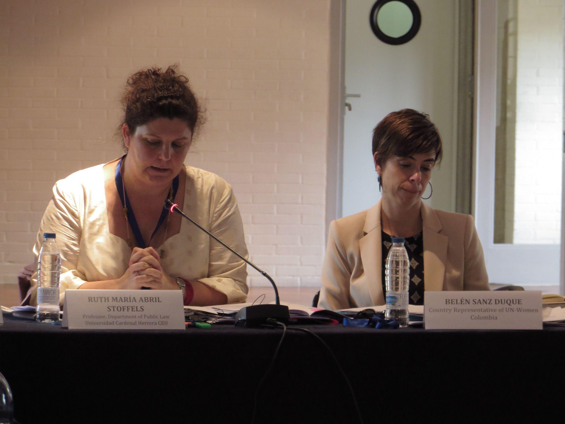La profesora Ruth Abril, durante su intervención en la reunión de expertos de UN-Habitat en Barcelona.