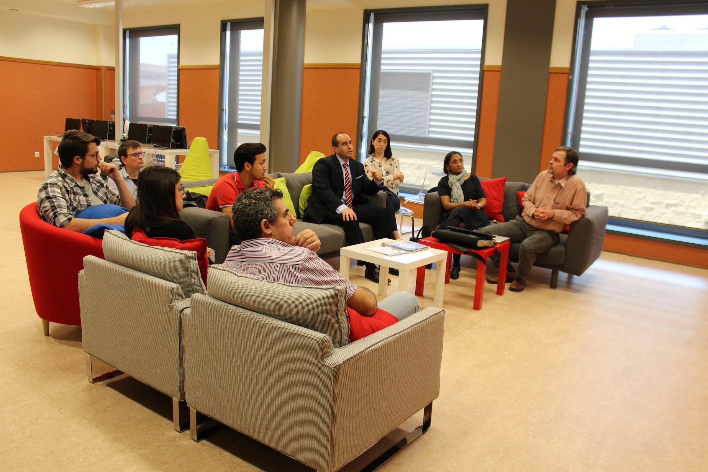 Miembros del ICB de la CEU-UCH y de Absynth Biologics durante la sesión sobre emprendimiento científico desde la universidad.