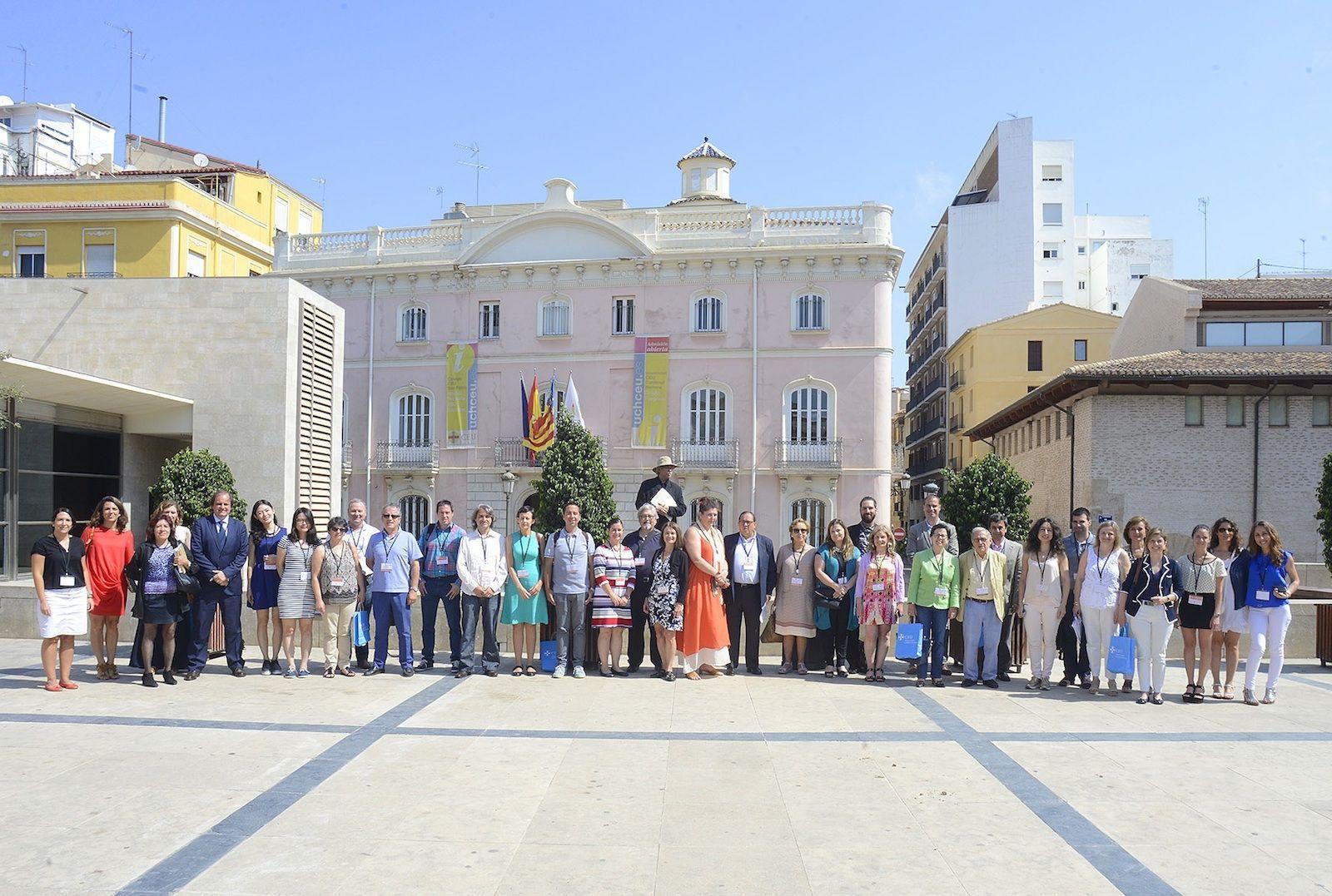 Los miembros del Grupo de Ética y Comunicación de la IAMCR, reunidos hoy en la CEU-UCH.