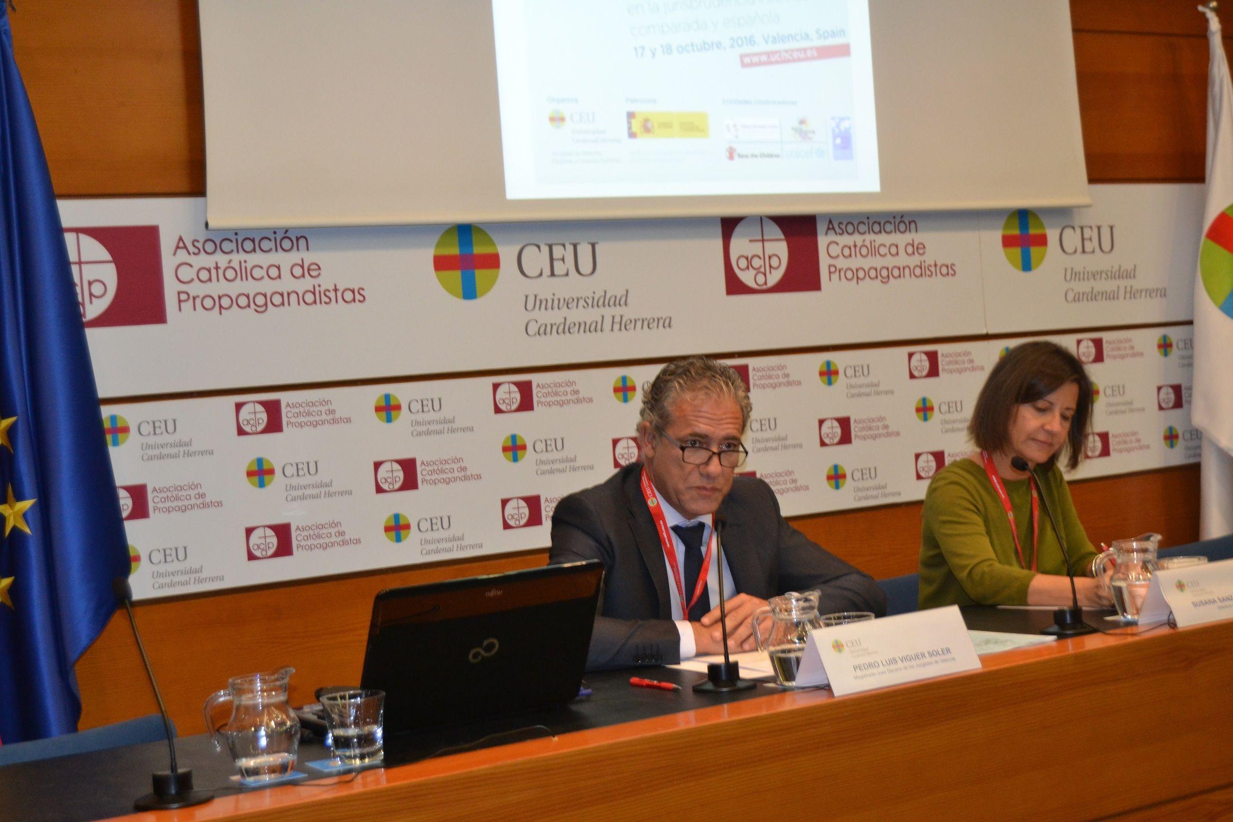 El juez decano de Valencia, Pedro Luis Viguer, durante su participación en el Congreso Internacional sobre el Interés Superior del Niño, organizado por la profesora de la CEU-UCH Susana Sanz.