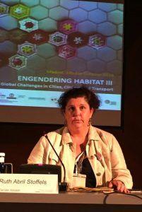 La profesora de la CEU-UCH Ruth Abril, en el la 5th International Conference 'Engendering Habitat III' de Naciones Unidas.
