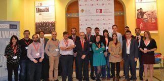 En el centro, el vicerrector de Investigación de la CEU-UCH, Ignacio Pérez, y el director del IDIT-CEU, Fernando Sánchez, junto a los expertos europeos participantes hoy en la jornada sobre nuevos materiales para el sector eólico.