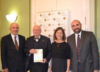 José Juste, José Antonio de Yturriaga, Susana Sanz e Iñaki Bilbao en la presentación del libro del diplomático español.