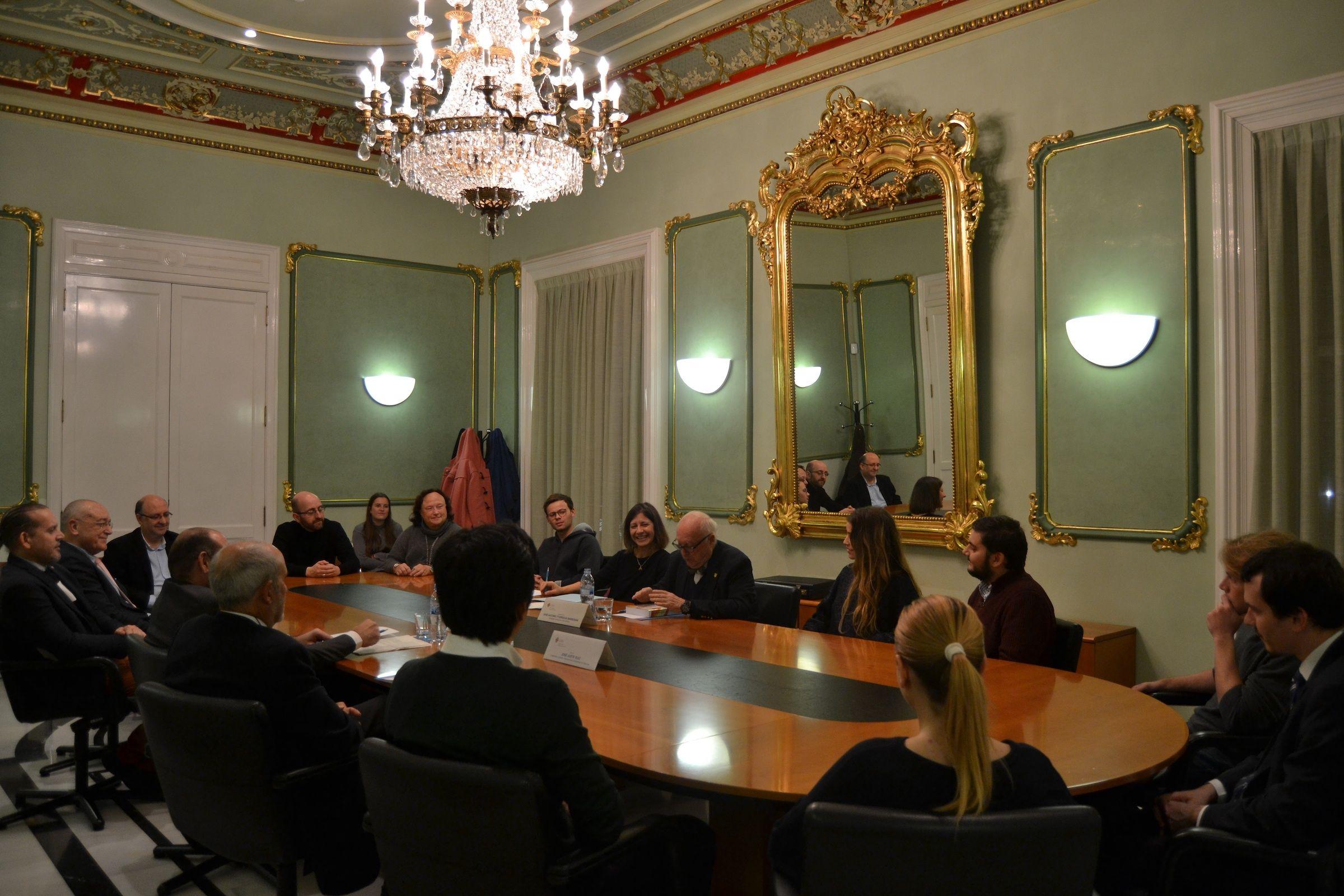 """Presentación del libro """"Los órganos del Estado para las relaciones exteriores, en el Palacio de Colomina-CEU."""