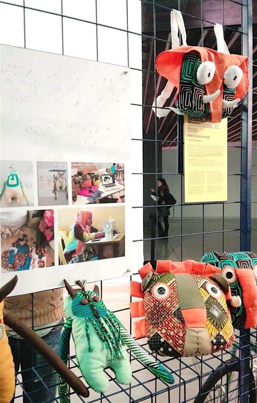 Fotos y objetos del proyecto en Kenia del Free Design Bank, en el Museo del Diseño de Barcelona.