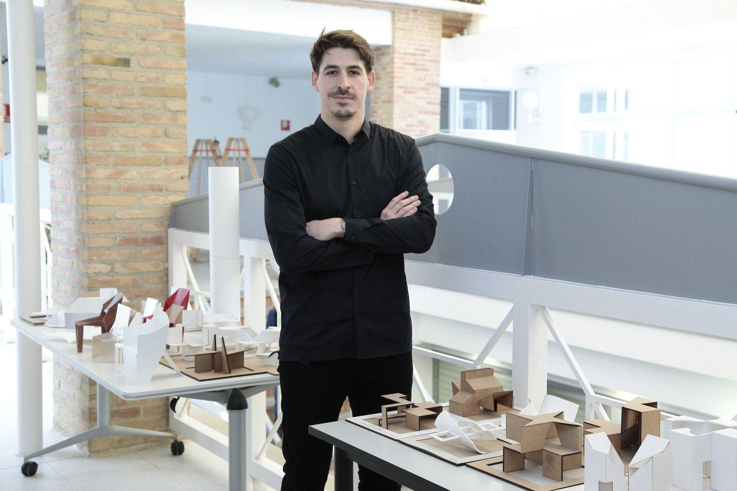 Raúl Edo, formado en la CEU-UCH, es actualmente jefe del área de Diseño de Producto del prestigioso estudio Lavernia & Cienfuegos.