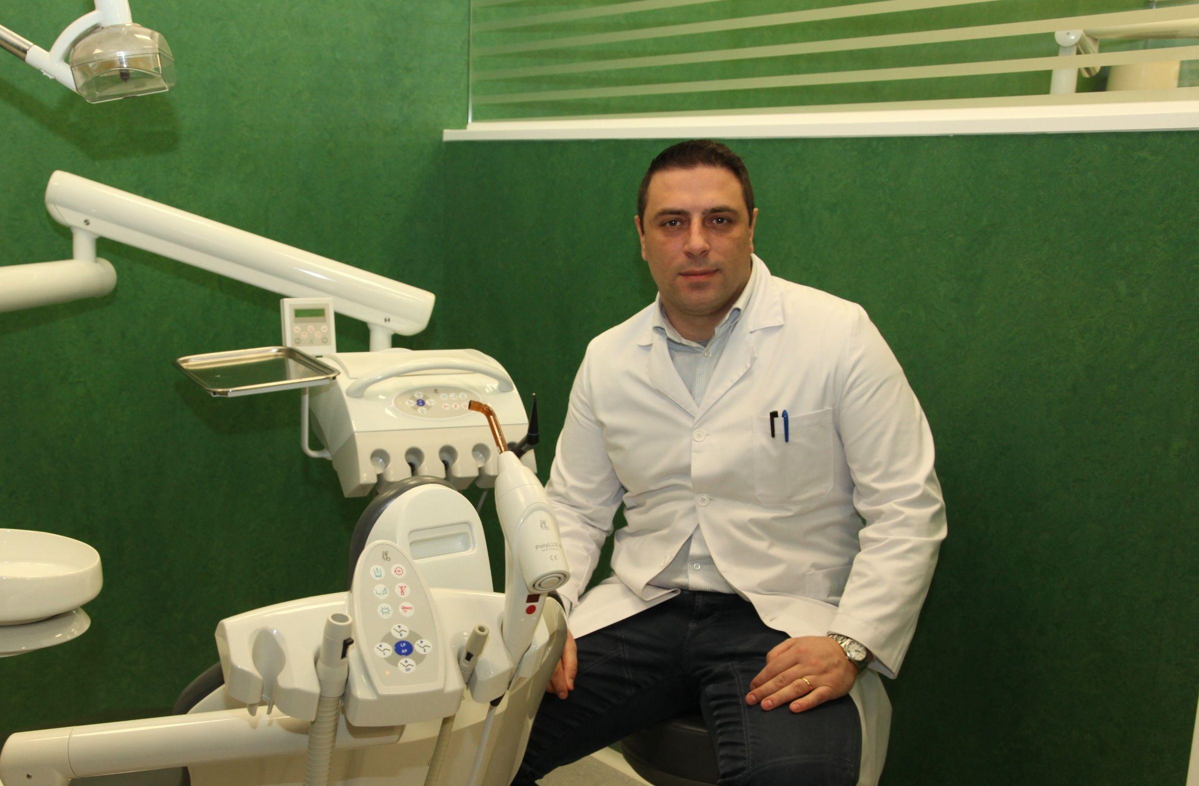 El doctor Salvatore Sauro, profesor de Dentristry de la Universidad CEU Cardenal Herrera.