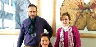 La profesora de la CEU-UCH María Dolores Temprado (sentada), junto a los profesores de la UJI Eladio Collado y Sonia Agut.