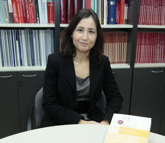 """La profesora titular de Derecho Mercantil de la CEU-UCH Isabel Rodríguez, coautora del libro """"La regulación de la economía colaborativa""""."""
