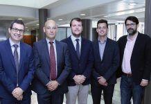 Los expertos Juan Pardo (CEU), Carlos López Cañas (ISACA), Álvaro Alzina (URJC), Raúl Prieto (Nunsys) y Javier García González (CEU), en la Jornada sobre formación en ciberseguridad, celebrada en el CEU-UCH.