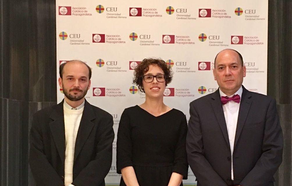 Marta Lluesma junto a sus directores de tesis: Sergio Murgui (UV) y José Vicente Carmona (CEU-UCH).