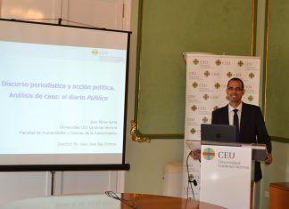 El periodista José Pérez Suria, durante la defensa de su tesis doctoral en el CEU-UCH.