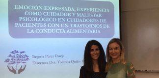 Brígida Pérez y Yolanda Quiles, autora y directora de la tesis sobre cuidadores de pacientes con trastornos de conducta alimentaria.