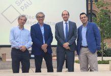 El catedrático de la CEU UCH Gonzalo Rubio (segundo por la izquierda), con los homenajeados por AEFIN.