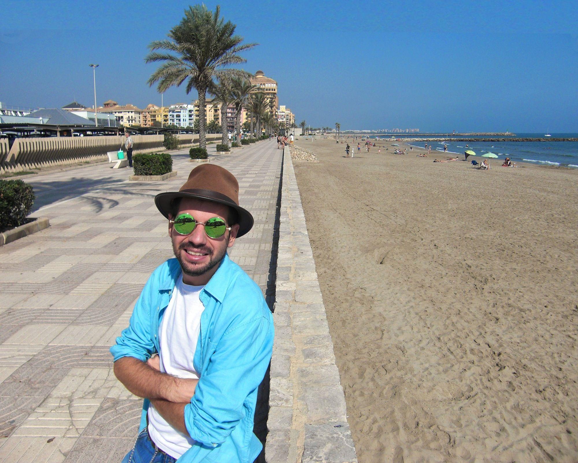 José Luis Moreno Delgado se formó en Arquitectura en la CEU UCH de Valencia.