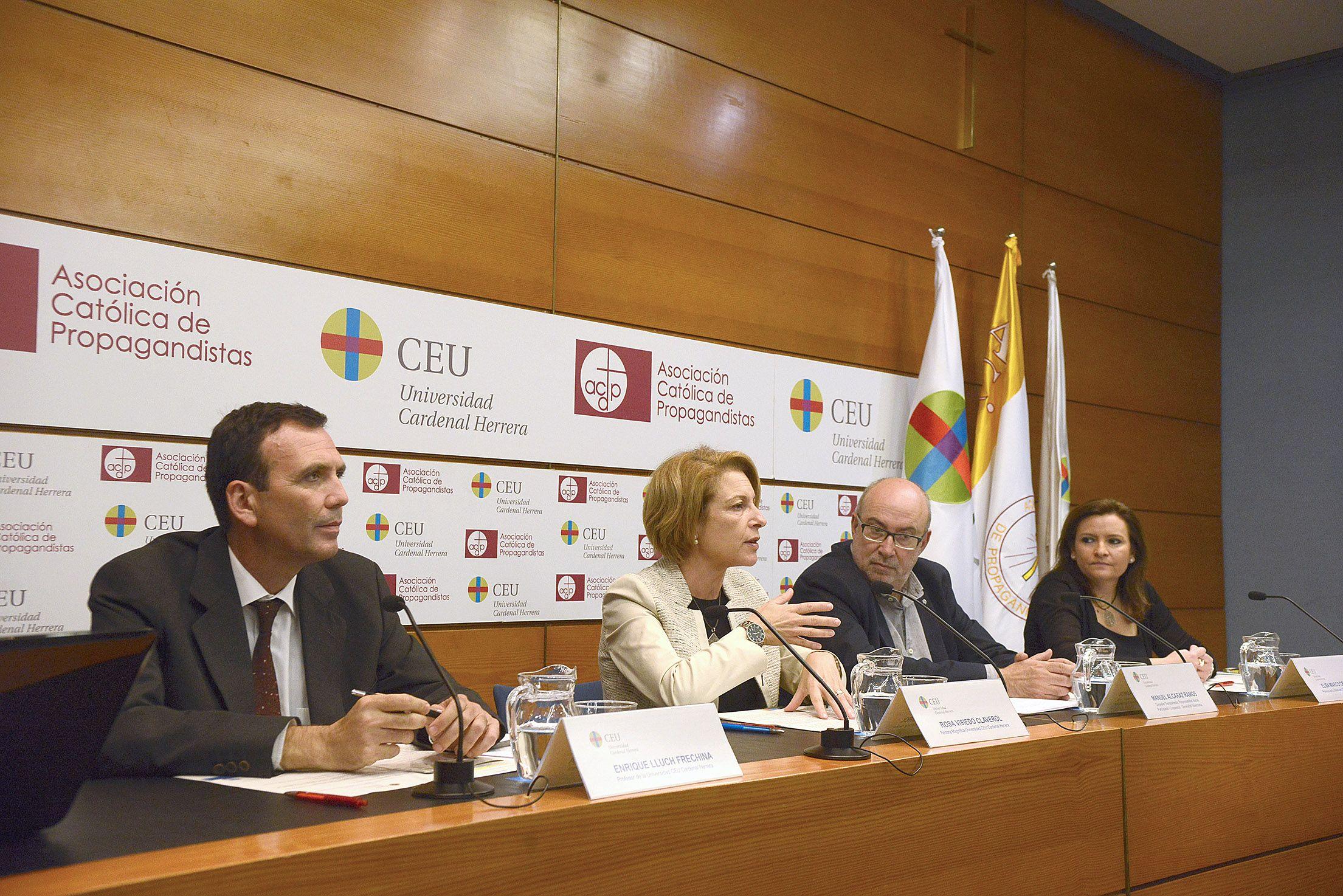 Inauguración de la Jornada, con el conseller Alcaraz, la rectora y los profesores organizadores.