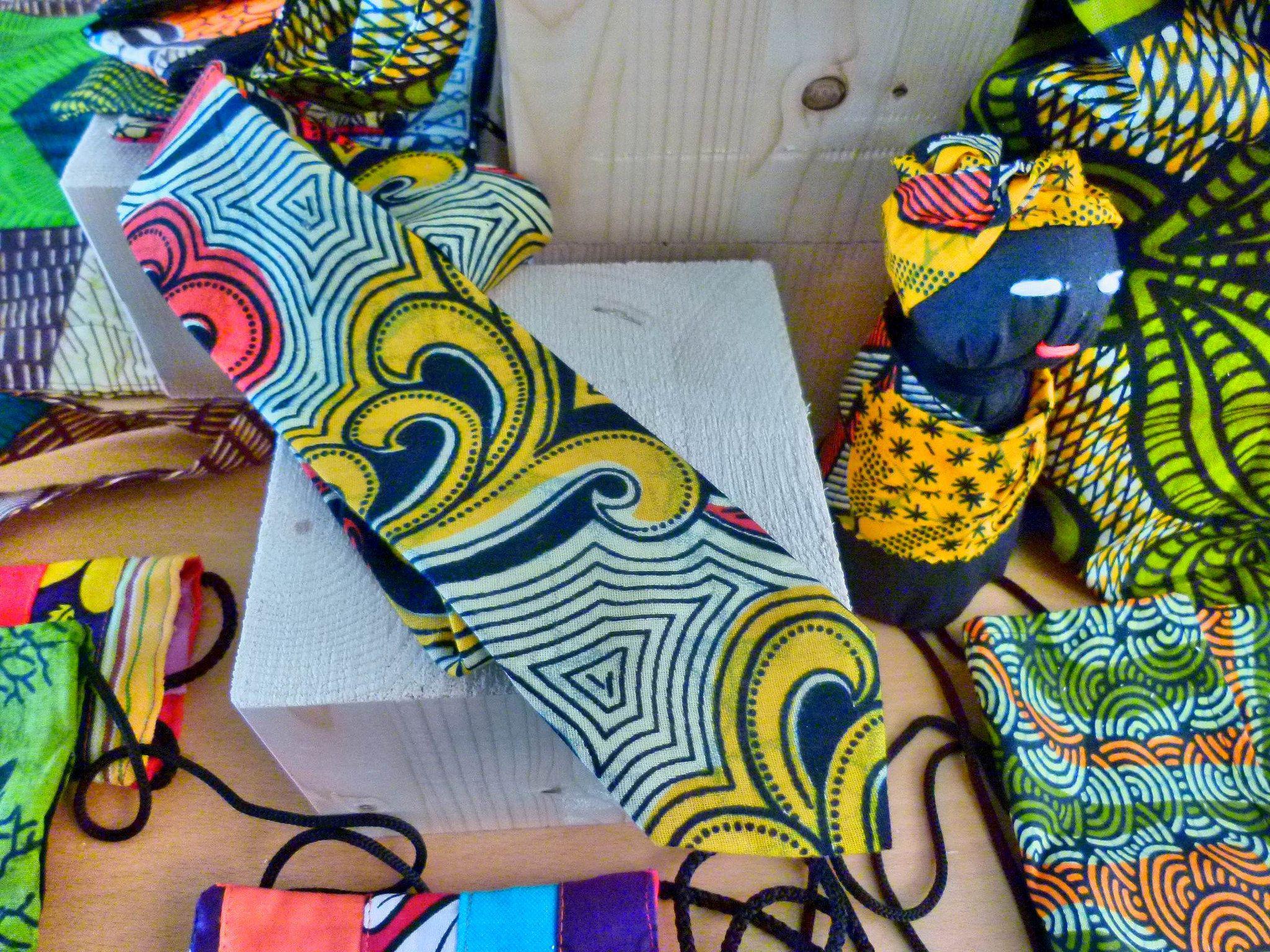 Algunos productos diseñados por Free Design Bank para artesanos de Kenia.